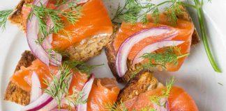 Salmon Gravlax ขั้นตอนการทำอาหารว่างที่ดีต่อสุขภาพ